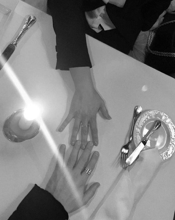 Дима Билан заинтриговал фанаток романтическим фото с незнакомкой