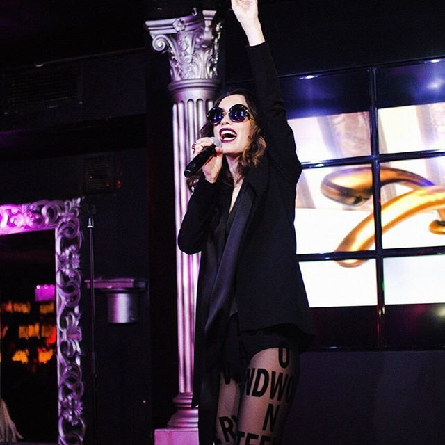 Виктория Дайнеко выступила вчера на концерте в необычном наряде