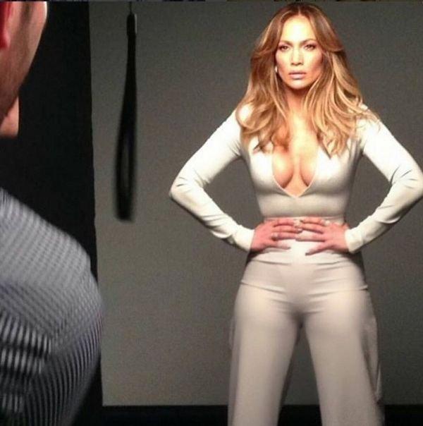 Дженнифер Лопес показала откровенное фото в бикини