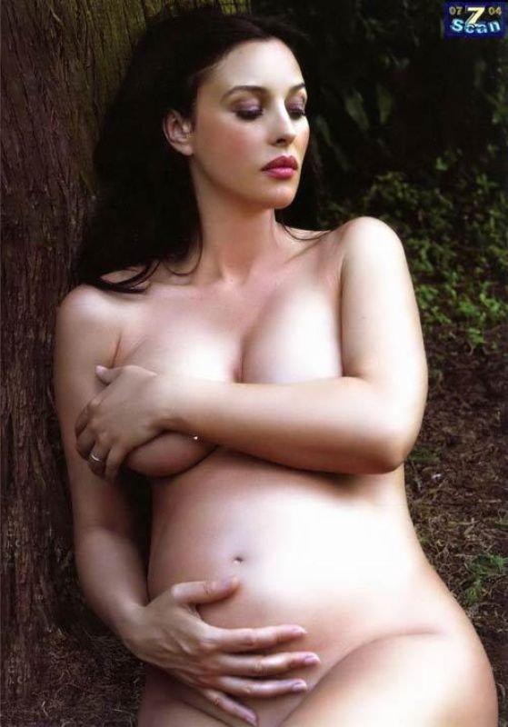 Беременная Кэндис Свейнпол выложила в сеть обнаженное фото