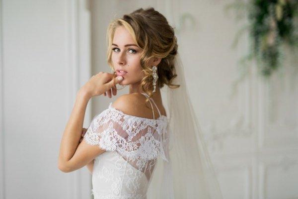 Анастасия Текунова представила свадебную фотосессию с Романом Миллером