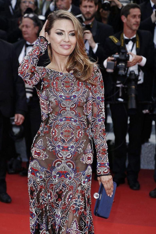 Виктория Боня поразила поклонников откровенным платьем в Каннах