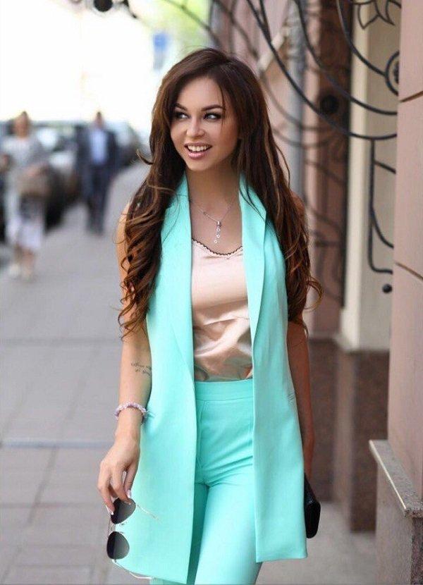 Настя Лисова выпустила линию одежды «со своим характером»