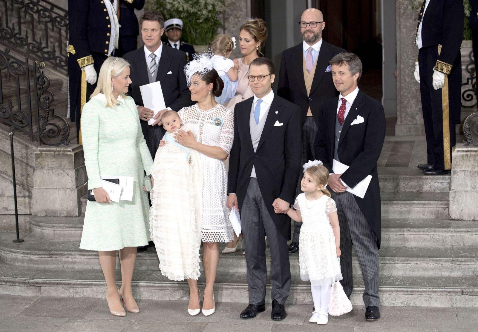 В сети появились фото с крестин сына кронпринцессы Швеции