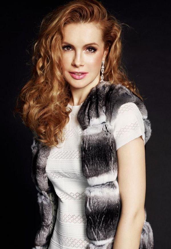 Актриса Татьяна Абраменко украсила обложку модного журнала InStyle