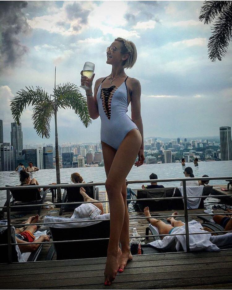 Муж неожиданно вывез Ольгу Бузову в Сингапур