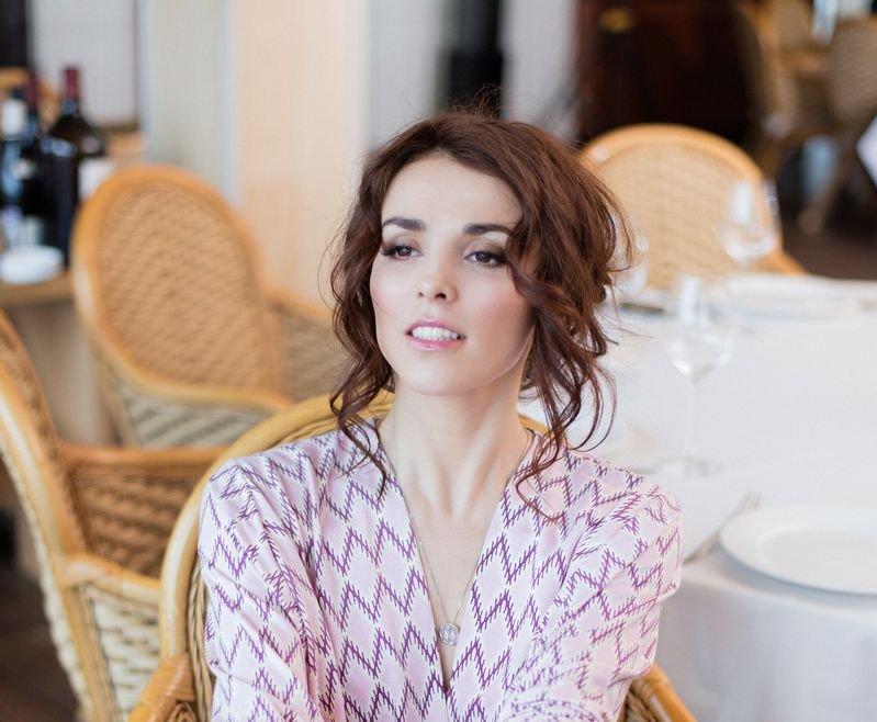 Прекрасная Сати Казанова приняла участие в съемке лукбука круизной коллекции Petit Pas