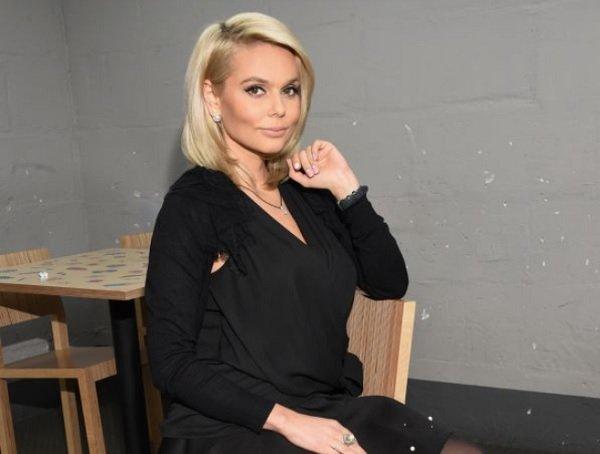 Ксения Новикова представила публике сексуальный трек «Одержимый»
