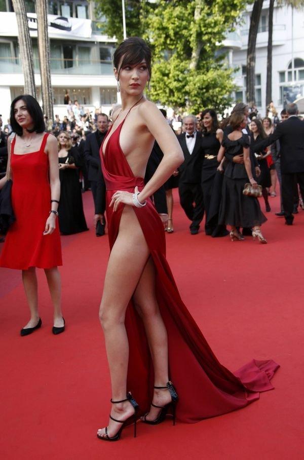 Белла Хадид переживала, что ее «смелое» платье в Каннах сдует ветром