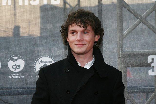 Актер Антон Ельчин трагически погиб в США
