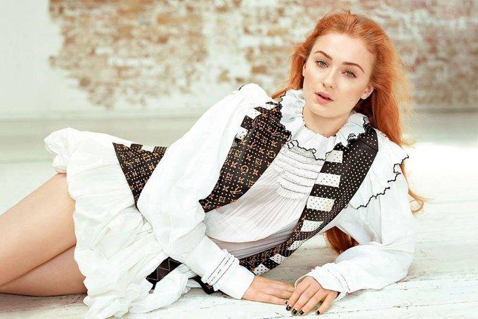 Софи Тёрнер появилась на страницах издания Glamour