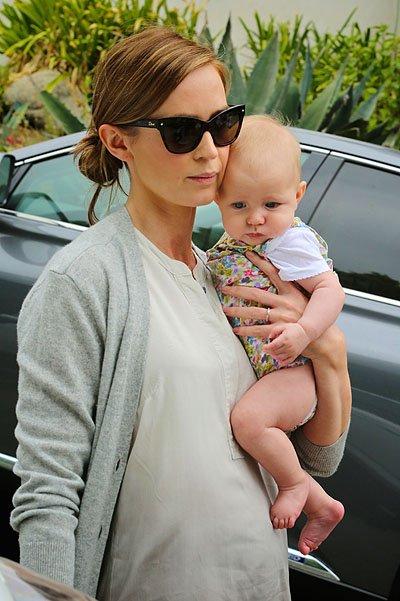 Эмили Блант стала мамой во второй раз