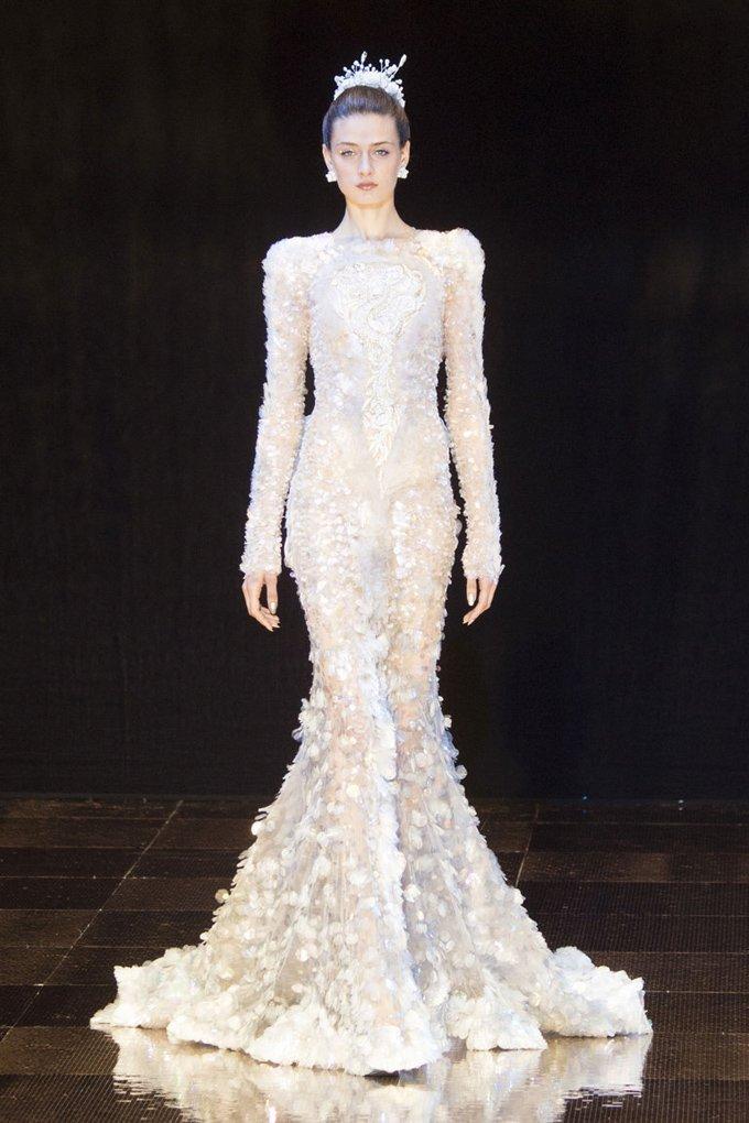Невероятный показ Guo Pei на Неделе моды в Париже