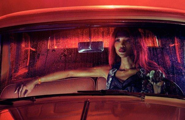 Наоми Кэмпбелл в гламурном фотосете для Vogue