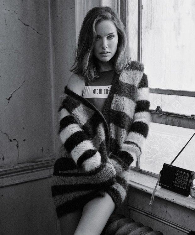 Натали Портман  позирует в ретро-купальниках на страницах T Magazine