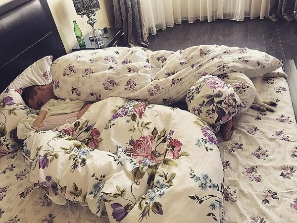Курбан Омаров и Ксения Бородина после долгой ссоры проснулись в одной кровати
