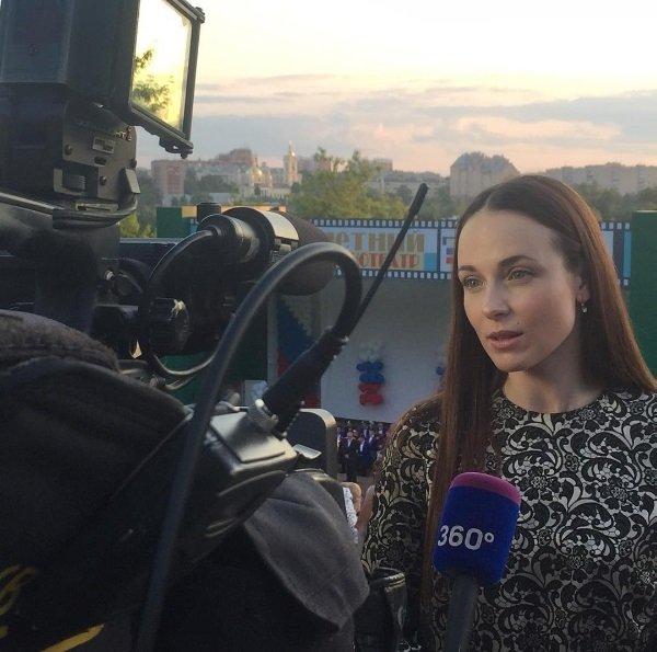 Анна Снаткина прокомментировала отношения своего мужа созвездой Дома-2