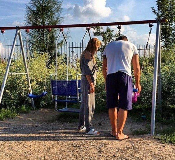 Ксения Бородина поделилась трогательным снимком всех детей
