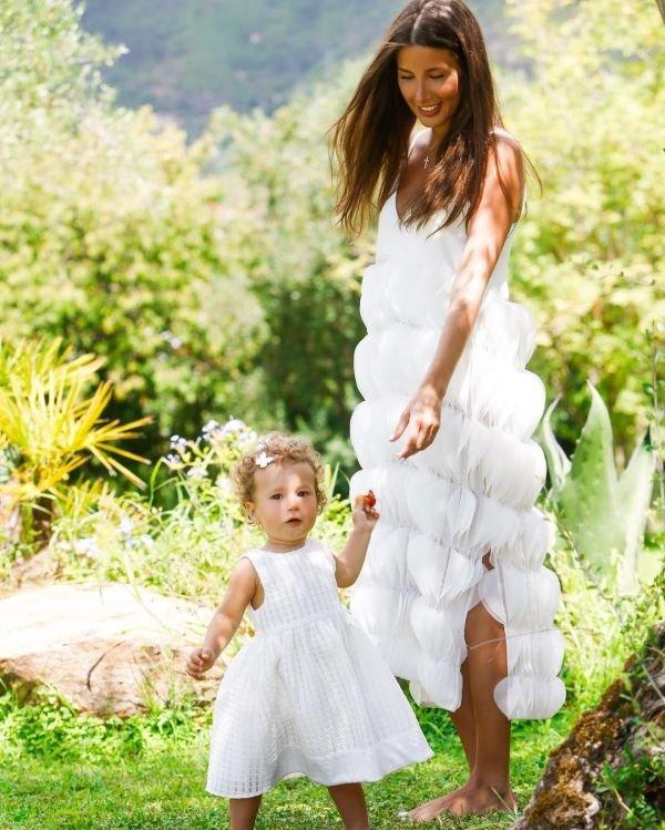 Кэти Топурия с дочкой Оливией украсили обложку HELLO (Грузия)