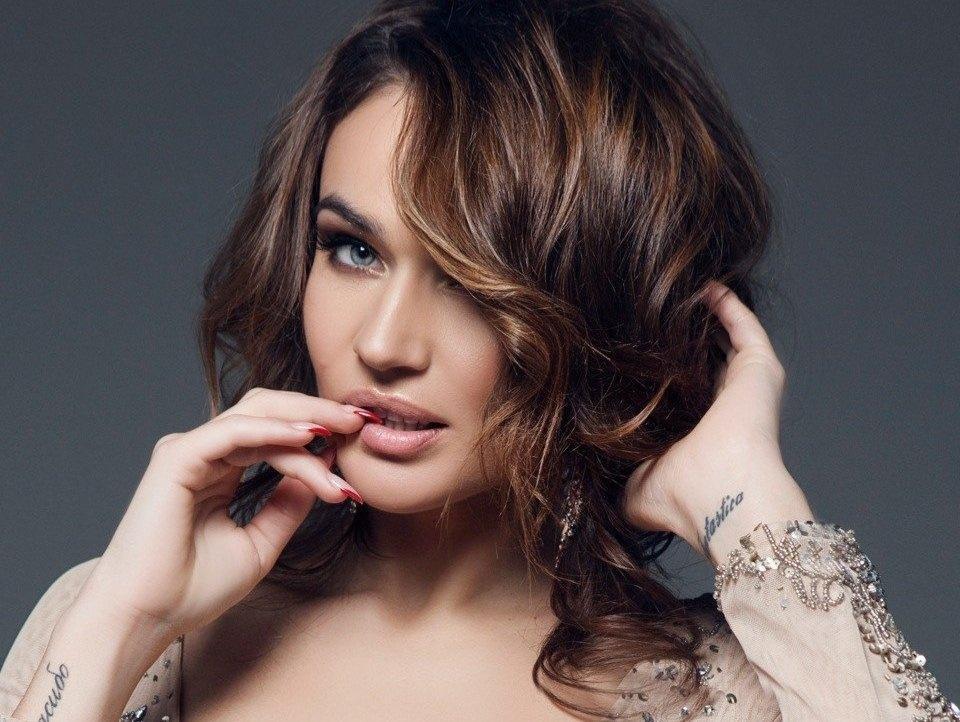 Алена Водонаева шокировала поклонников своим внешним видом