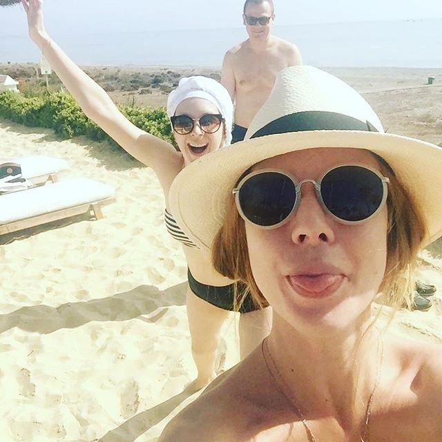 Наталья Подольская смутила поклонников снимком с сестрой-близняшкой