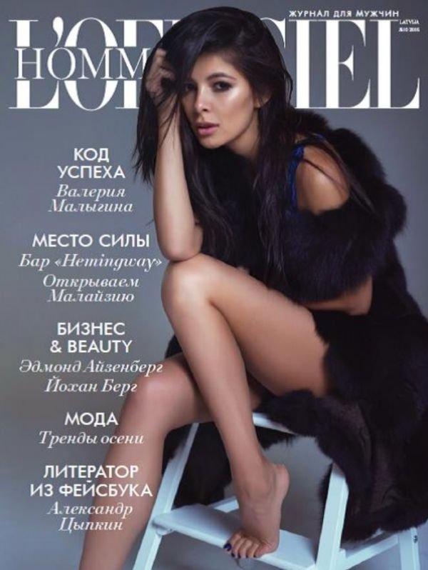 Модель Зара Кинг предстала во всей красе на обложке L'Officiel Hommes