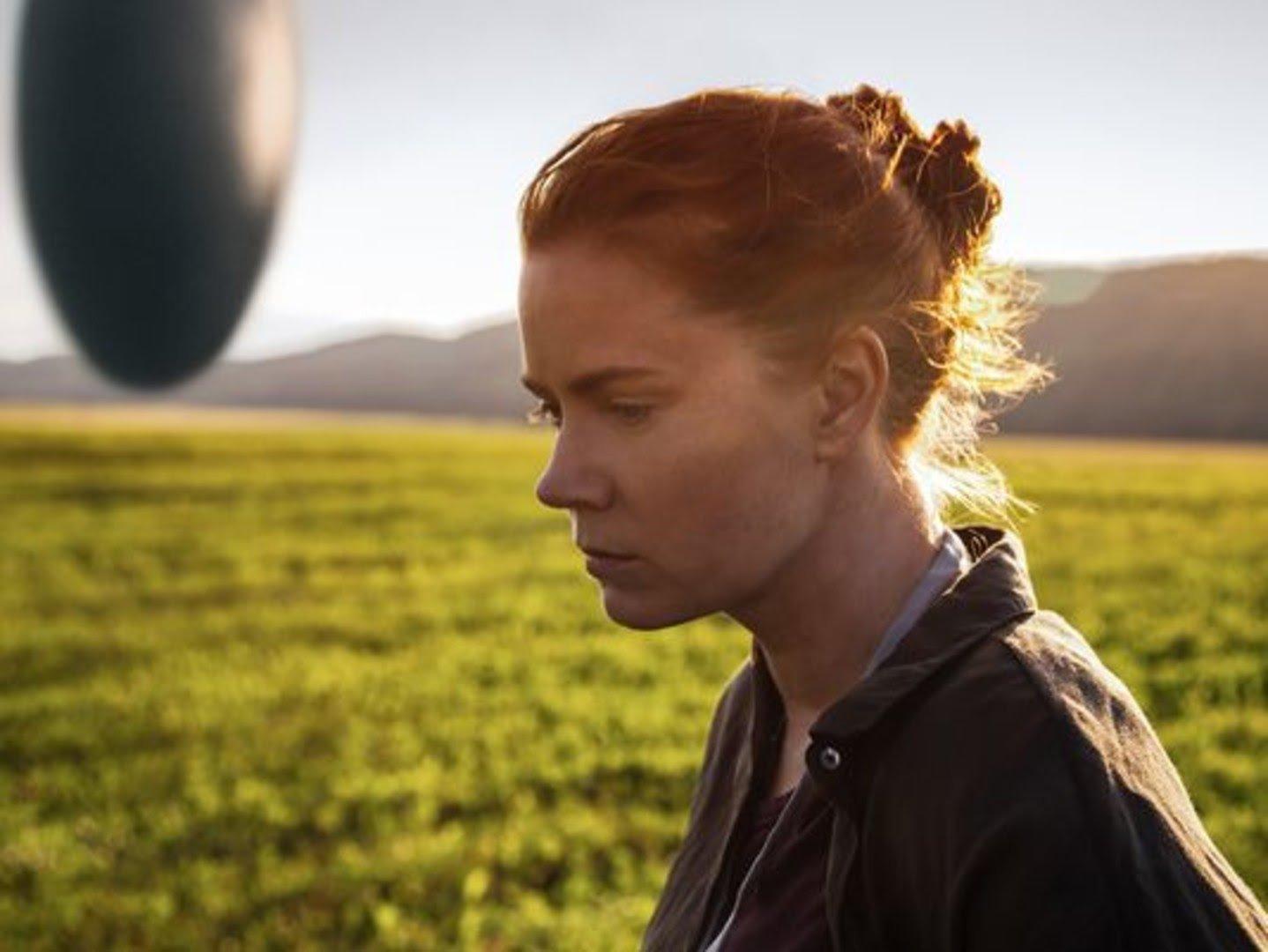 Эми Адамс сыграла одну из своих лучших ролей в фильме «Прибытие»