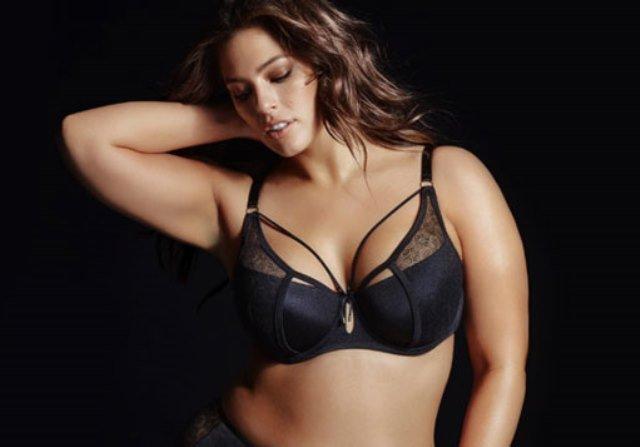 Модель plus-size Эшли Грэм вновь шокирует сеть своими формами в откровенном фотосете
