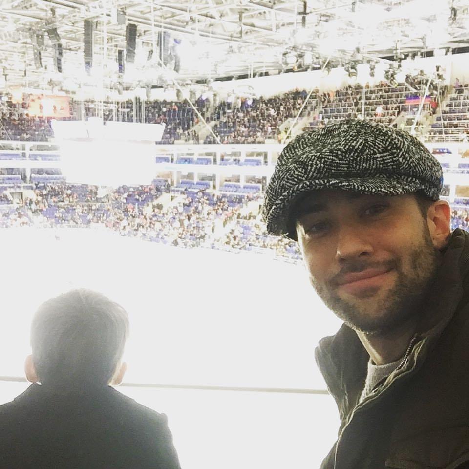 Дмитрий Шепелев с сыном впервые посетил хоккейный матч