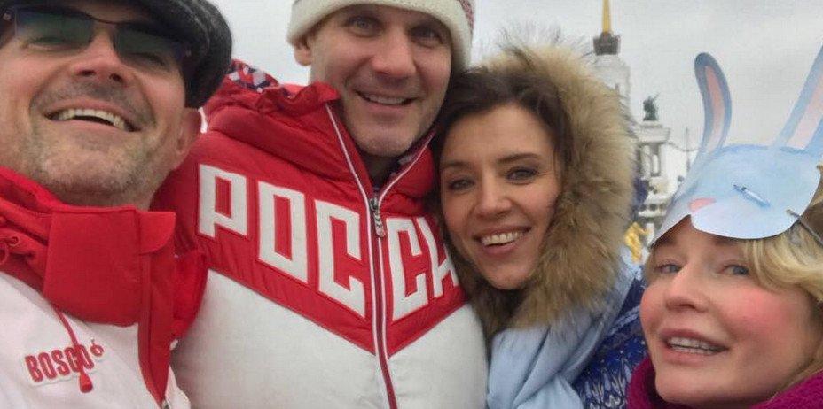 Ксения Алферова, Егор Бероев и другие звезды провели на ВДНХ День Добра