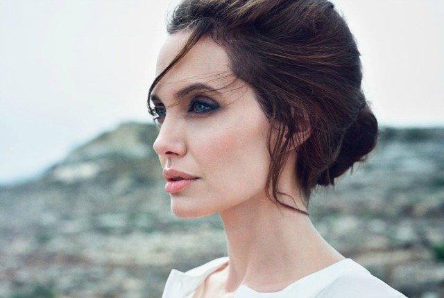 Анджелина Джоли поразила сеть фантастическим внешним видом