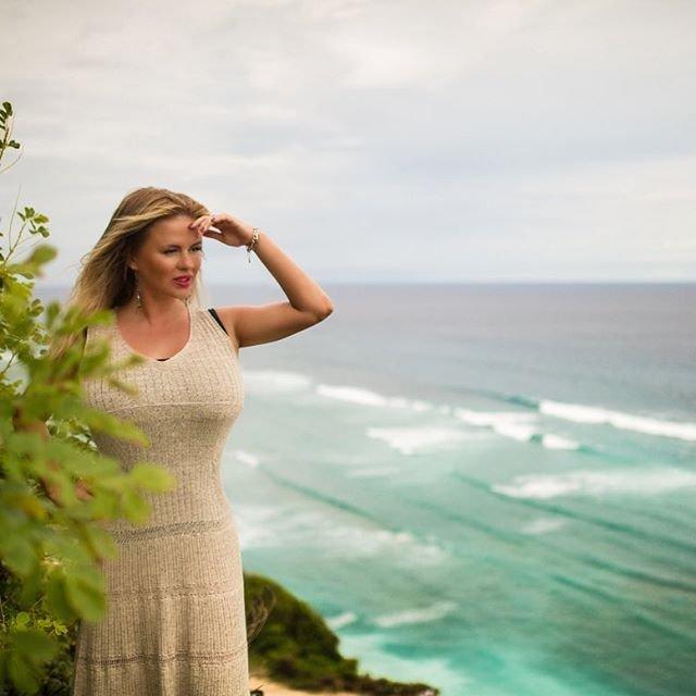 Анна Семенович шокировала поклонников своим пляжным фото