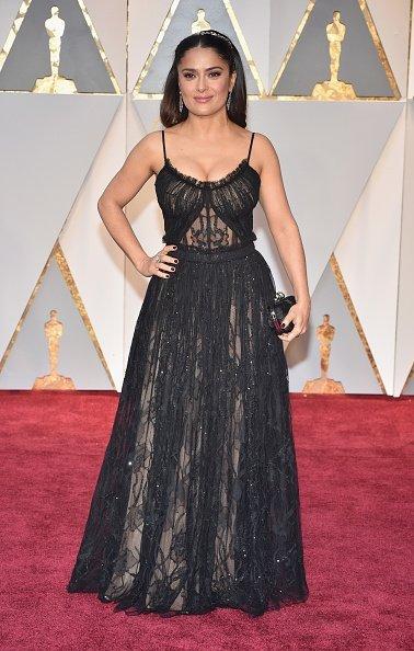 Сальма Хайек на красной дорожке «Оскар-2017»