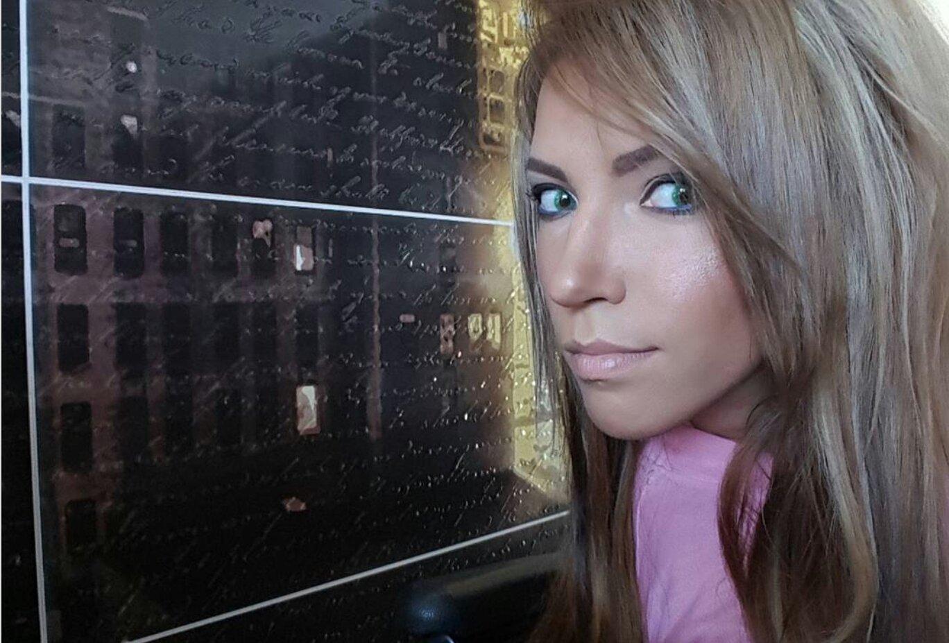 Эстрадная певица Юлия Самойлова рассекретила свою звездную сестренку