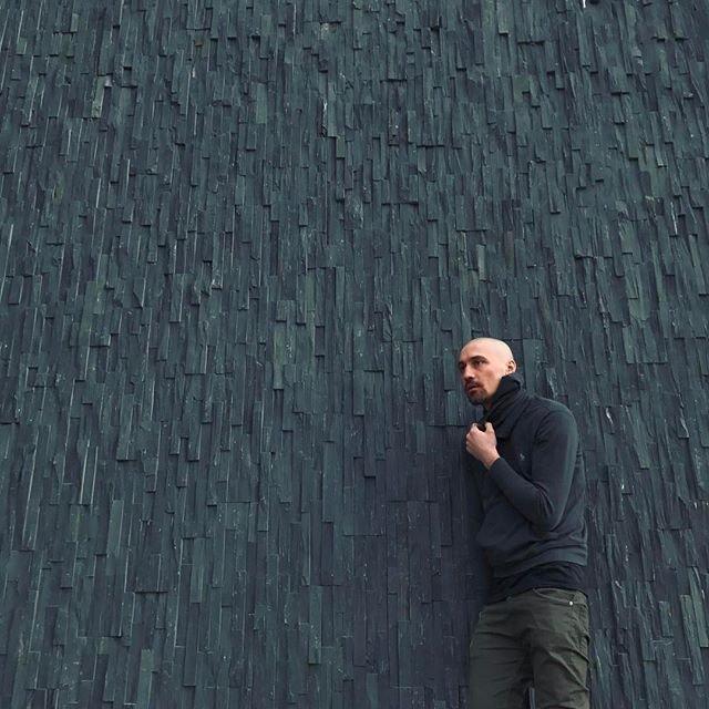 Дима Билан выложил в сеть снимки с отдыха в Исландии