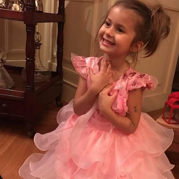 Родители Виктории Боня окончательно забрали дочку Анджелину