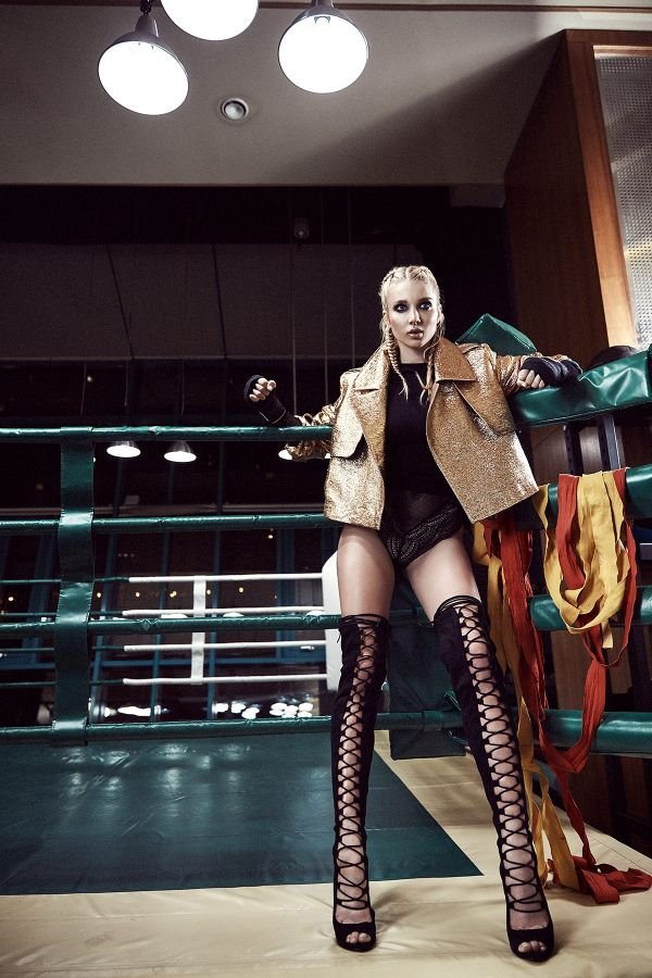 Анастасия Михайлюта представила дерзкую фотосессию для журнала GQ Mexico