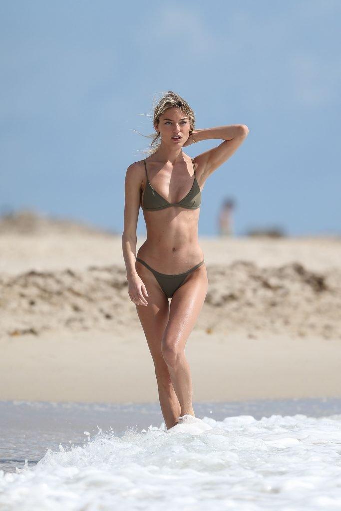 Модель Victoria's Secret Марта Хант ужаснула анорексичной фигурой