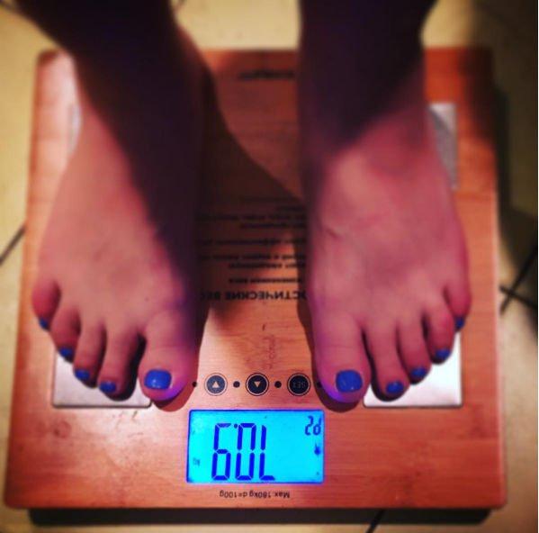 Теона Дольникова решила бороться с лишними килограммами