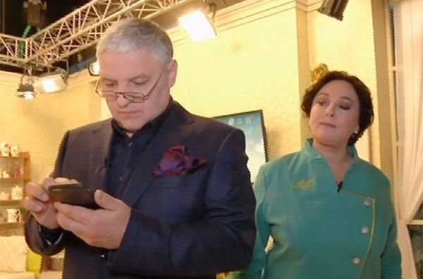 Лариса Гузеева высказалась о проблемах с мужем