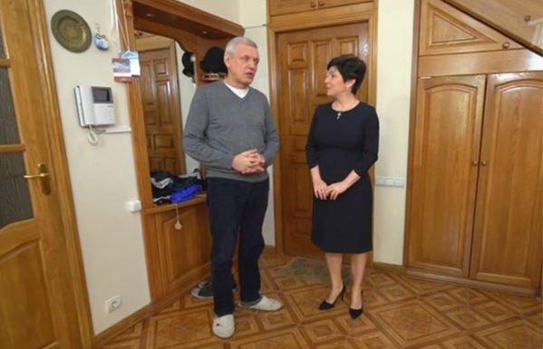 Александр Галибин обустроил спальню для молодой жены