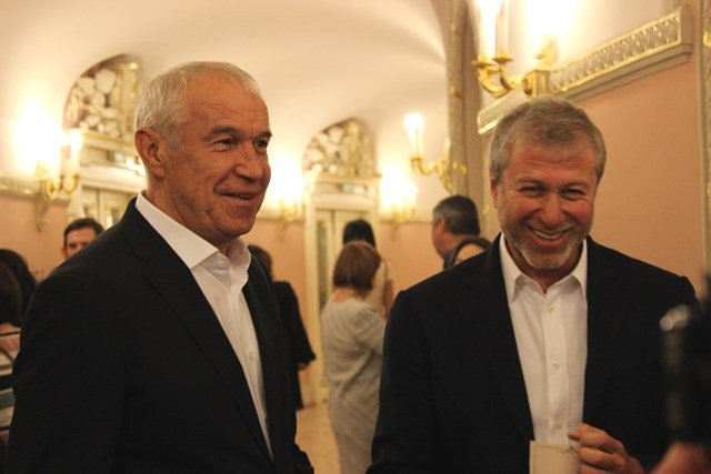 Роман Абрамович посетил премьеру главного российского фильма весны