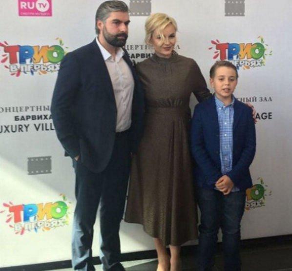 Похудевшая Полина Гагарина посещает светские мероприятия