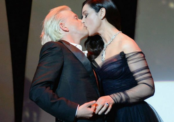 Моника Белуччи поразила страстным поцелуем на открытии Каннского кинофестиваля