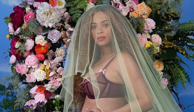 Беременная Бейонсе выложила в сеть фото в бикини