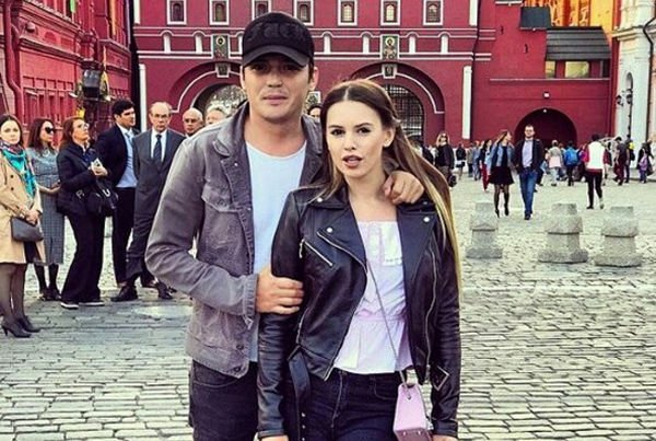 Саша Артемова и Евгений Кузин собираются пожениться в Греции