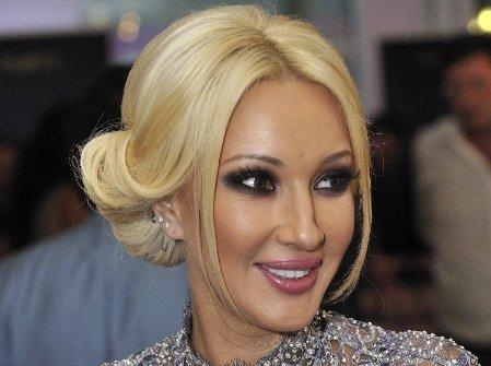 Лера Кудрявцева готовится к премии МУЗ-ТВ под наблюдением медиков