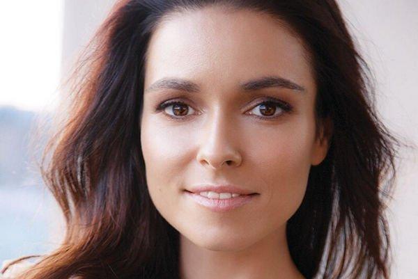 Ирена Понарошку сообщила о том, что родители вначале не приняли ее брак с ди-джеем