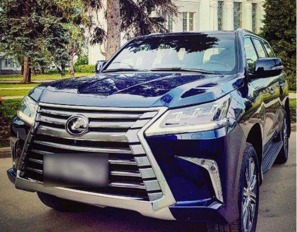 Муж Полины Гагариной показал новое транспортное средство за шесть миллионов