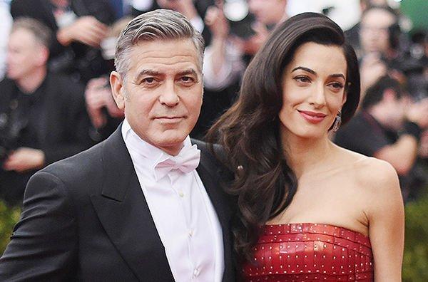 Джордж Клуни сам старается ухаживать за детьми